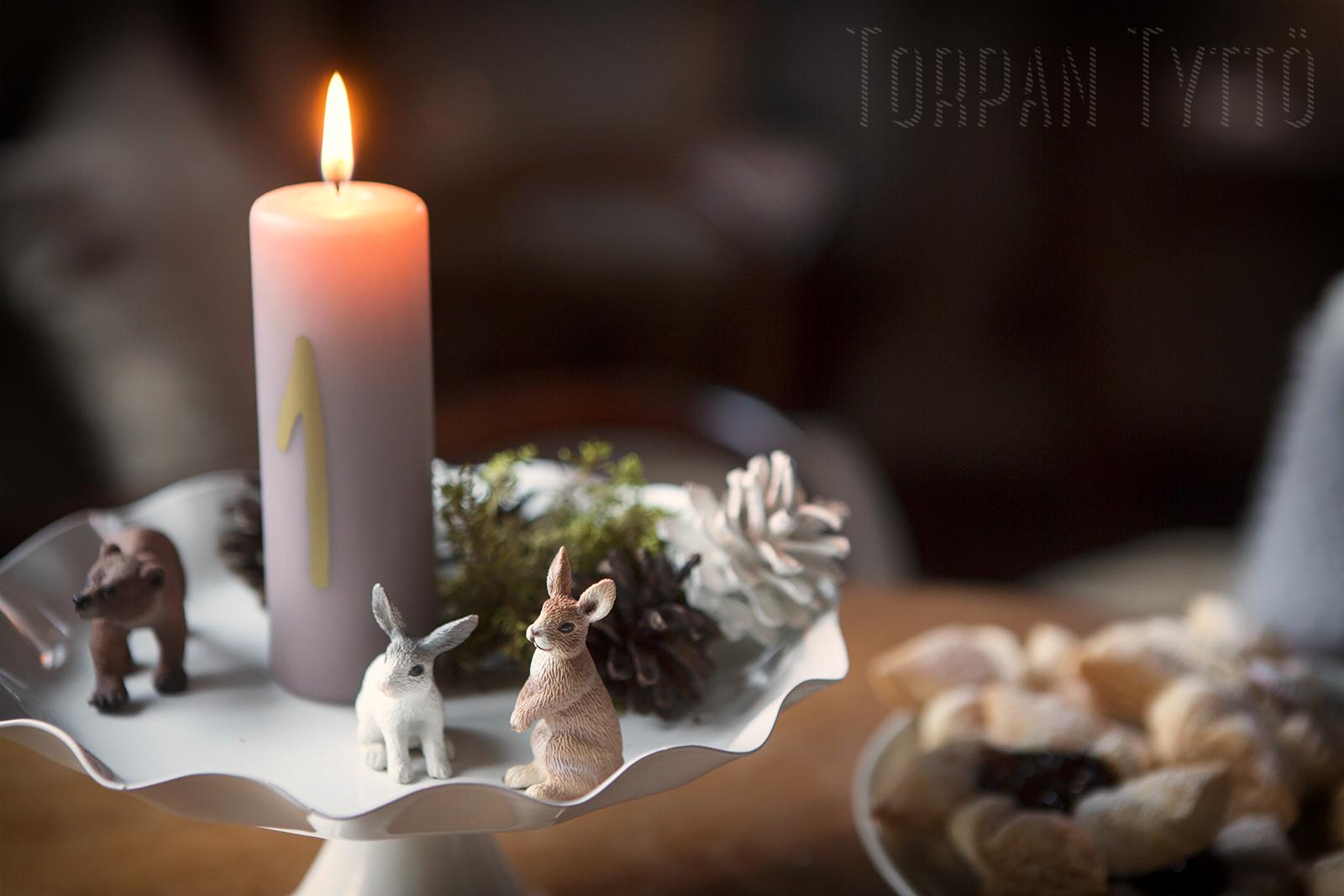 torpan-tytto-adventtikynttila-jouluasetelma