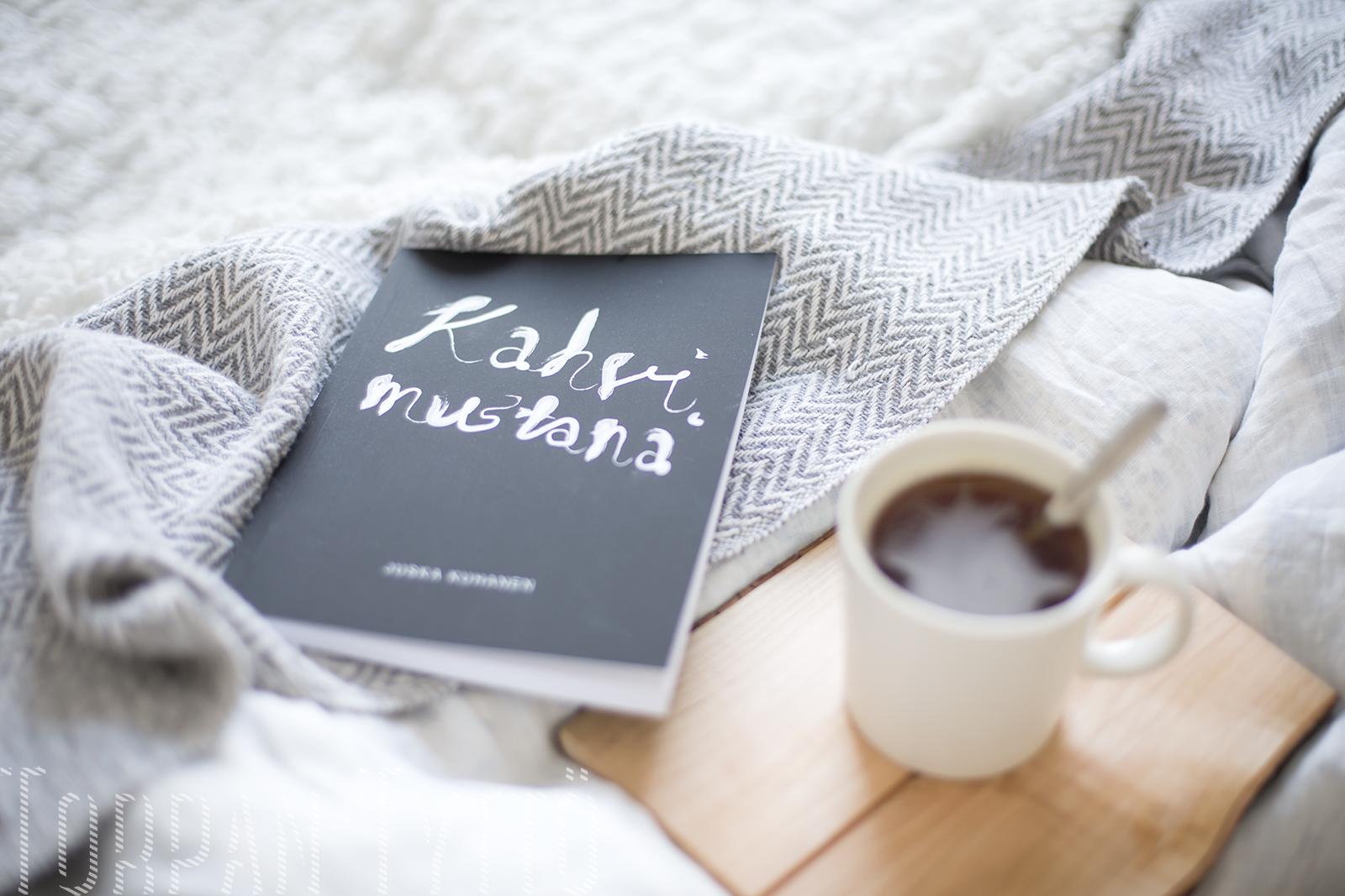 Kahvimustana